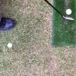 ボール踏んで飛距離アップ!アスリート向け練習場用ゴルフ上達法