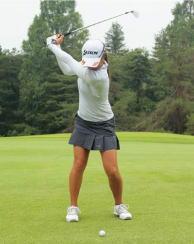 ゴルフのコンパクトなトップの位置を感じ取ろう? 感覚磨くゴルフ練習法